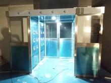 东莞市万德光电科技有限公司平移门风淋室工地验收