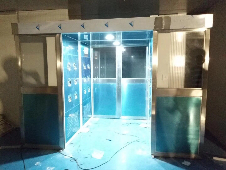 东莞市万德光电科技有限公司 平移门风淋室工地验收1