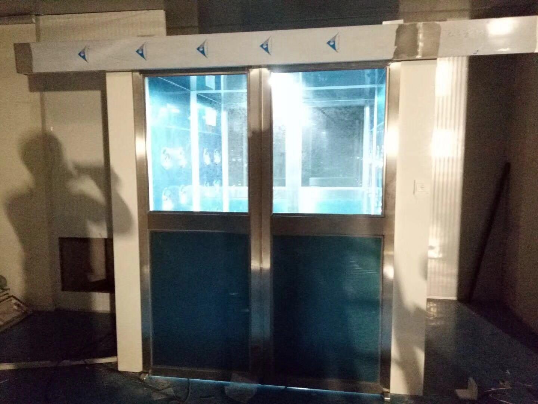 东莞市万德光电科技有限公司 平移门风淋室工地验收2